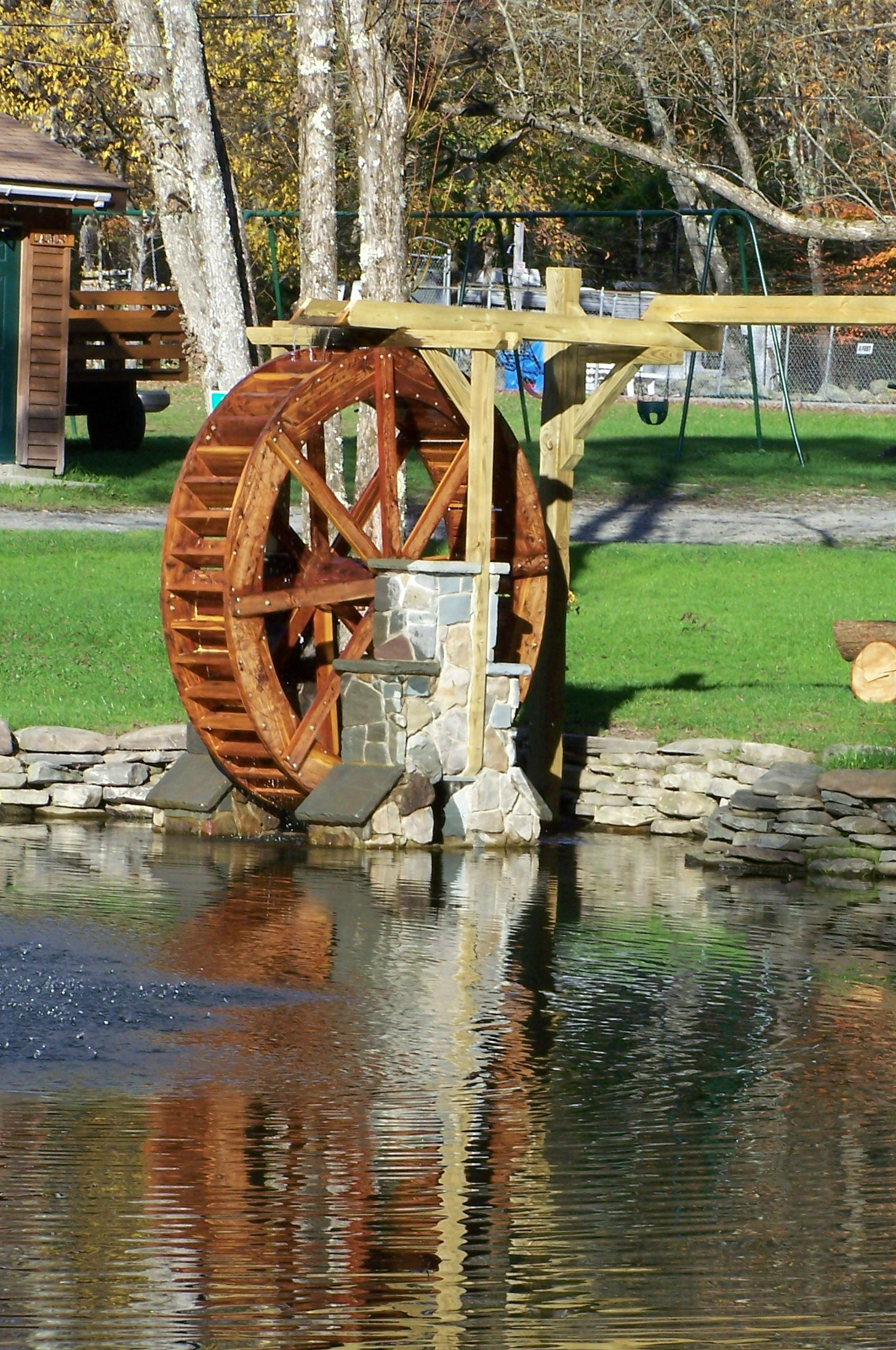 smallwaterwheel3.jpg