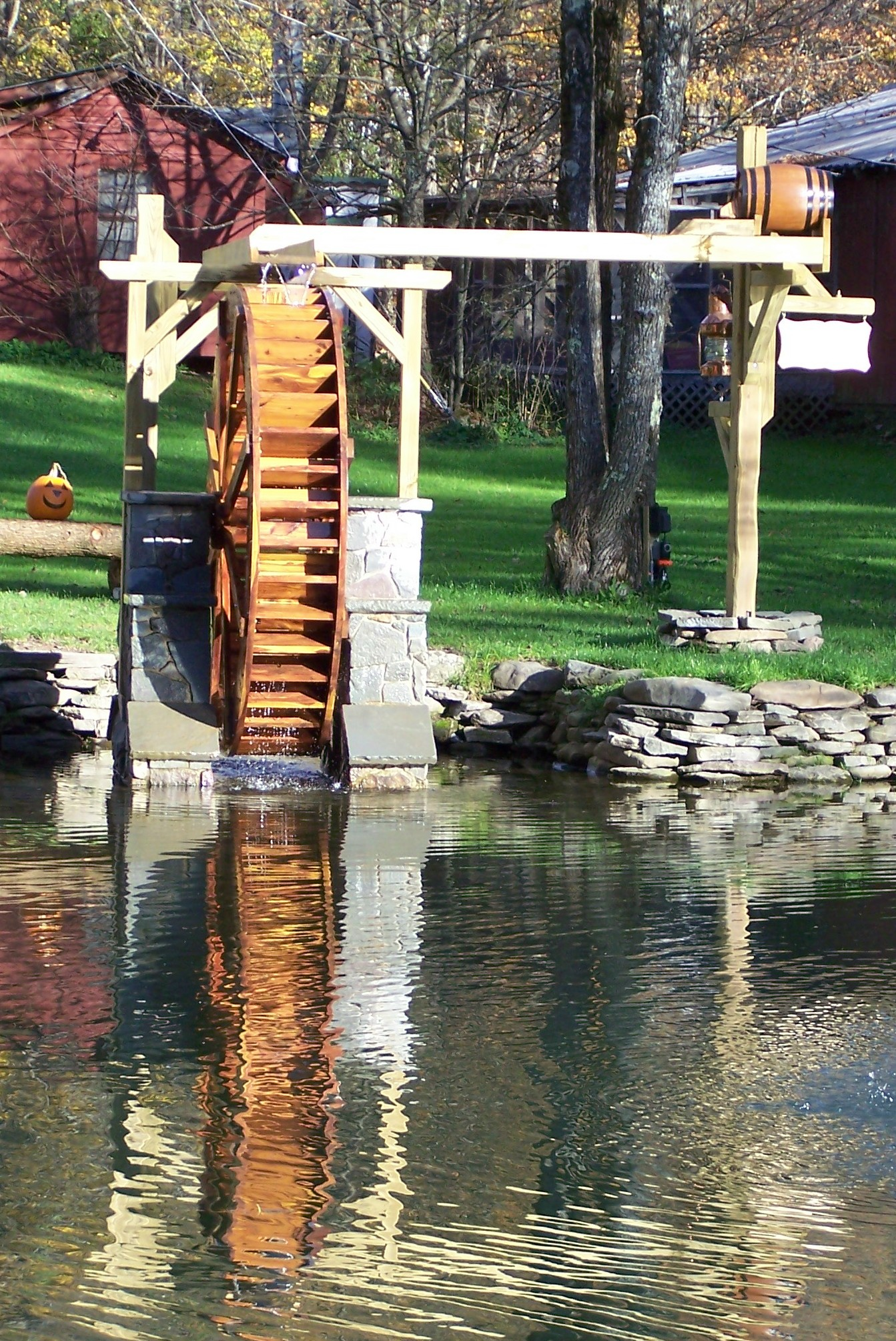 smallwaterwheel4.jpg